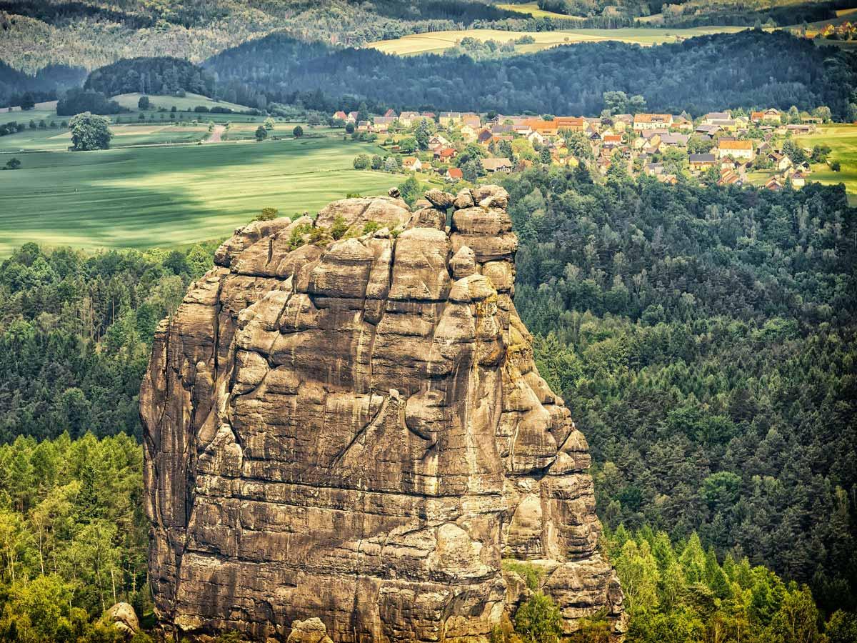 Ausflugsziele - Blick zum Falkenstein