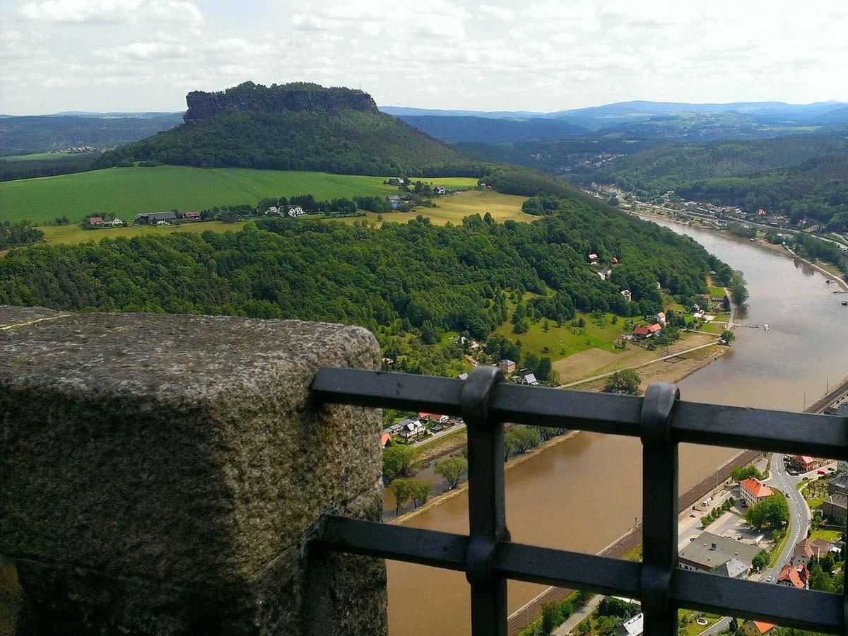 Ausflugsziele - Blick zum Lilienstein