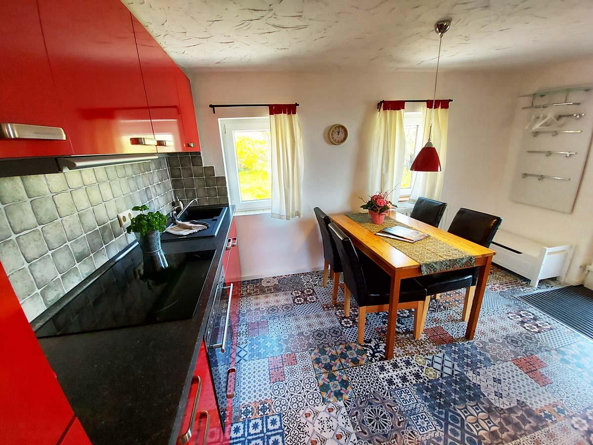 Ferienhaus Schrammsteinblick - Ferienwohnung2 - Küche mit Essbereich