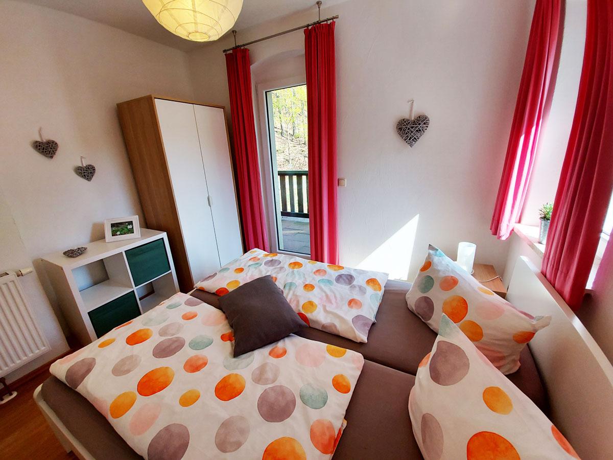 Ferienhaus Zum Kirnitzschtal - Ferienwohnung1 - Schlafzimmer1 mit Doppelbett