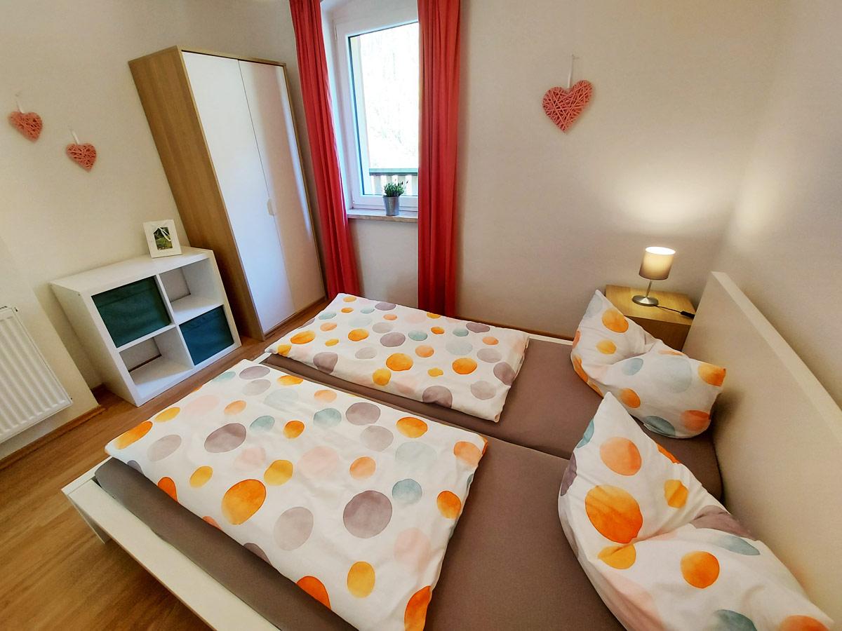 Ferienhaus Zum Kirnitzschtal - Ferienwohnung2 - Schlafzimmer1 mit Doppelbett