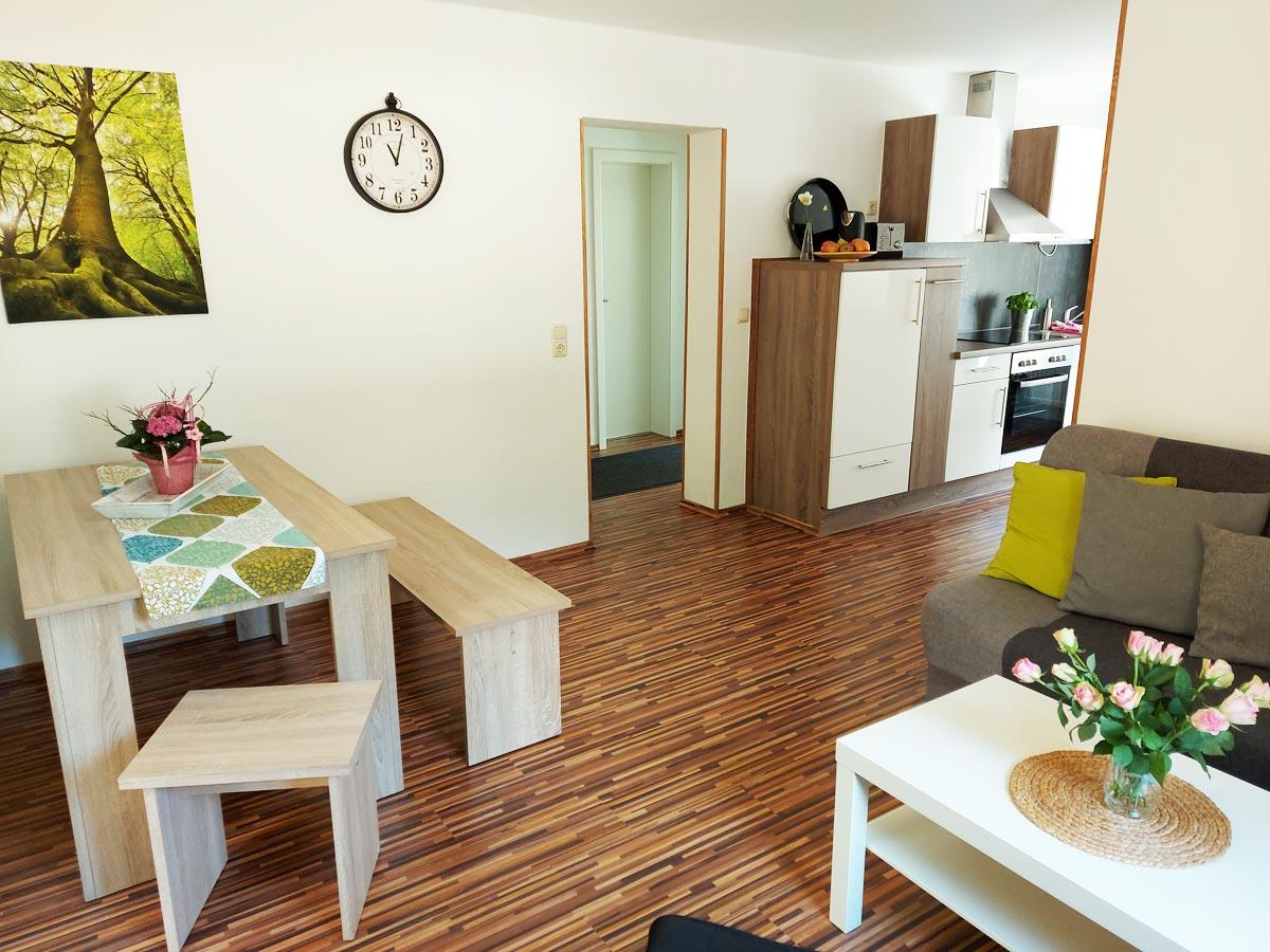 Ferienhaus Zum Kirnitzschtal - Ferienwohnung2 - Wohnzimmer mit Essbereich