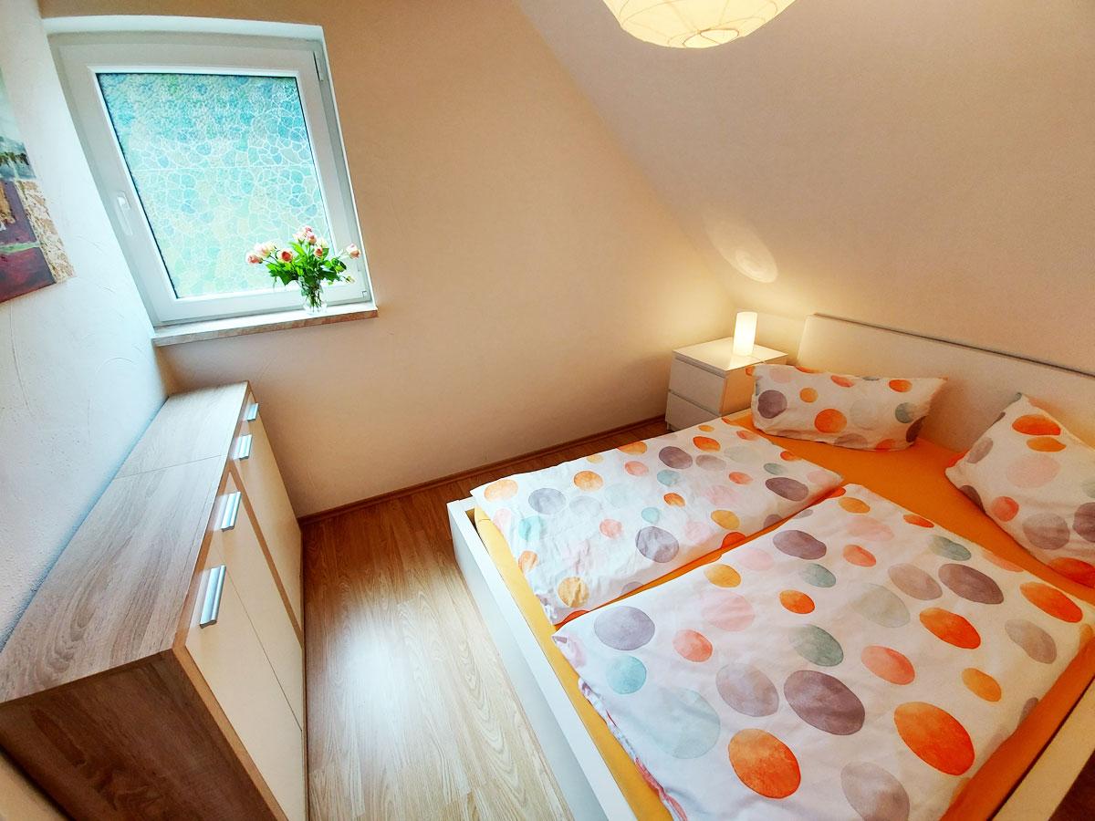 Ferienhaus Zum Kirnitzschtal - Ferienwohnung3 - Schlafzimmer mit Doppelbett