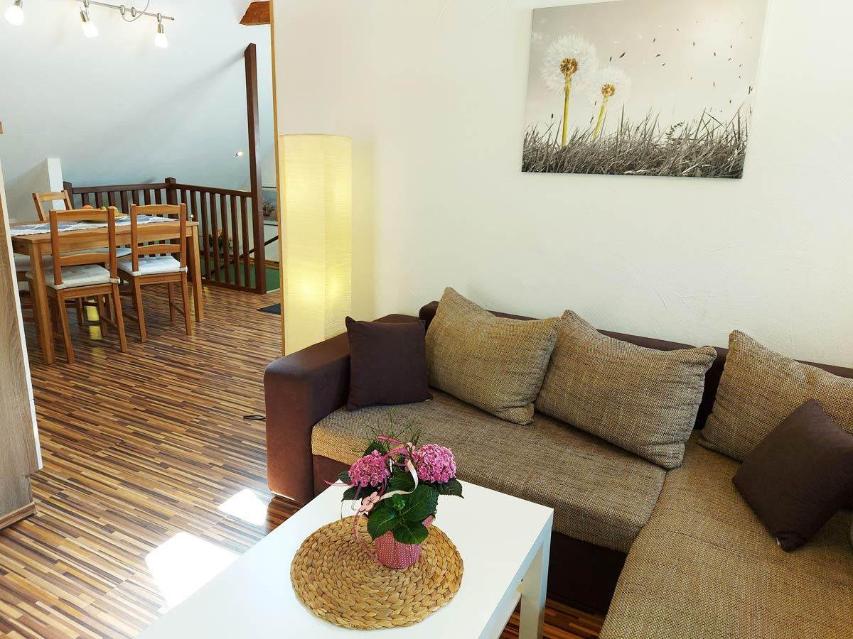 Ferienhaus Zum Kirnitzschtal - Ferienwohnung3 - Wohnzimmer mit Essbereich